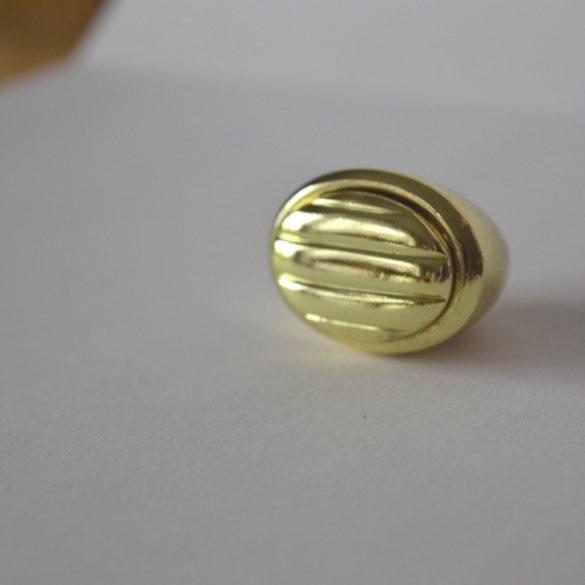 Fém bútorgomb, arany színű