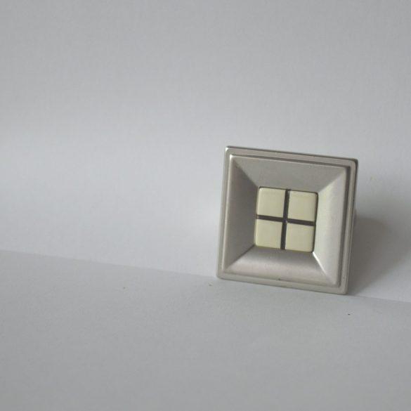Fém bútorfogantyú, matt nikkel, kockás márvány mintázat, 32 mm furattáv