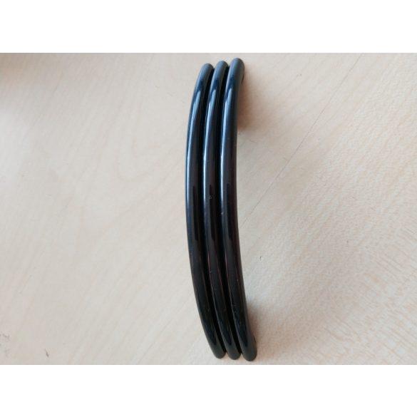 Műanyag bútorfogantyú, Fekete színű, 64 mm furattáv