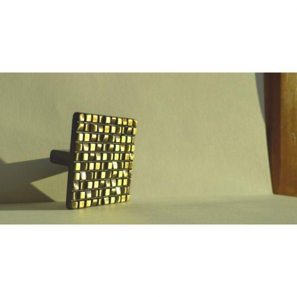 Fém bútorfogantyú, Bronz színű, 32 mm furattáv