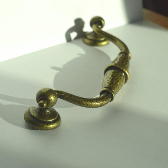 Fém bútorfogantyú, Patina bronz színű, 128 mm furattávolság