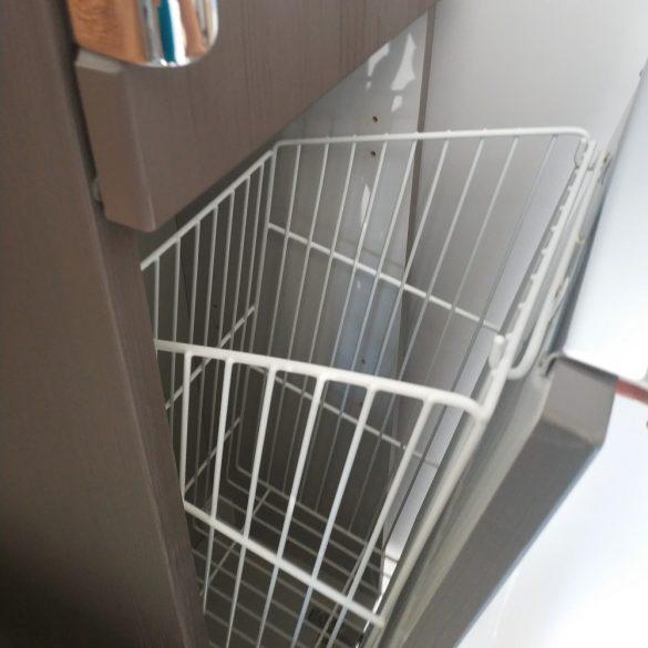 Beépíthető, kibillenő szennyestartó kosár, fehér, 460/600/240