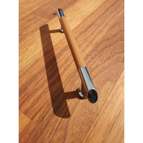 Fém-műanyag bútorfogantyú, króm - világos barna színű, 96 mm furattáv