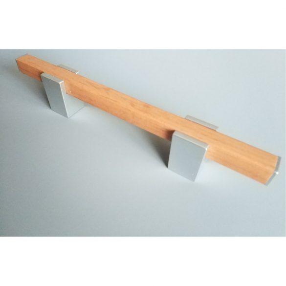 Műanyag bútorfogantyú, tölgyfa hatású, króm színű, 96 mm furattávval