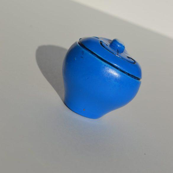 Műanyag bútorgomb, kék macska figurás