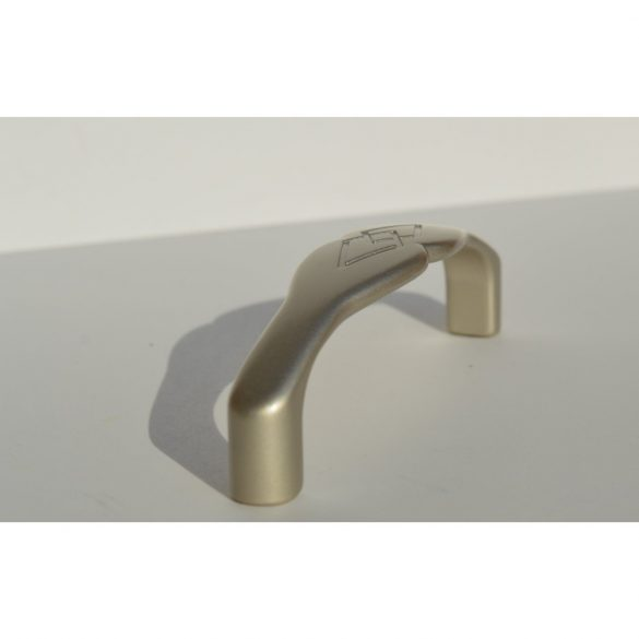 Fém bútorfogantyú, matt króm színű, 96 mm furattáv