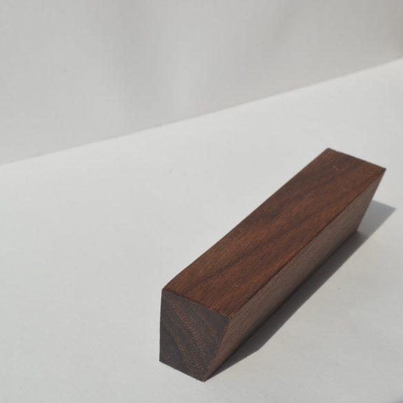 Holz-Möbelgriff, Nussbaum geölt, mit 32 und 64 mm Lochabstand
