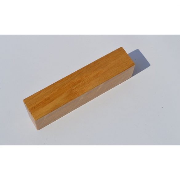 Wooden furniture handle, Lacquered Oak, with 32 and 64 mm hole spacing