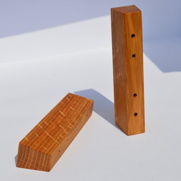 Wooden furniture handle, Oiled Oak, with 32 and 64 mm bore spacing