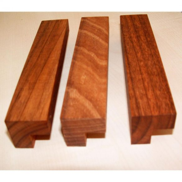 Tömörfa bútorfogantyú, lakkozott dió, 64 - 96 - 128 mm furattávval