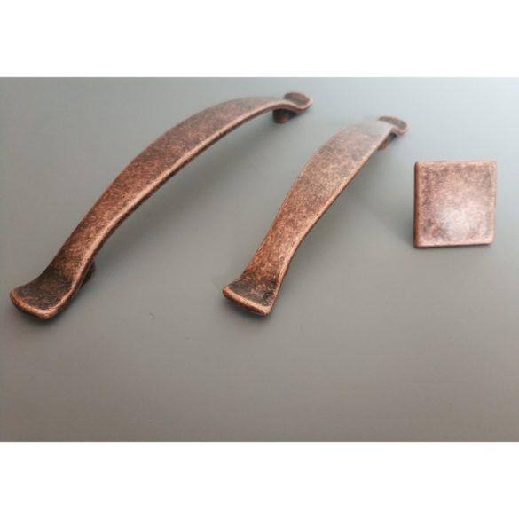 Fém bútorfogantyú, réz színű, antik patina hatású, 96 mm furattávval