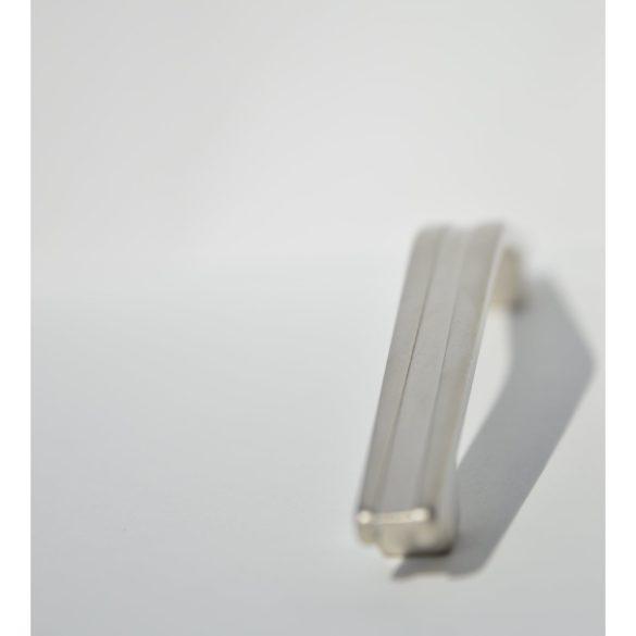 Fém bútorfogantyú, matt nikkel színű, 128 mm furattávval