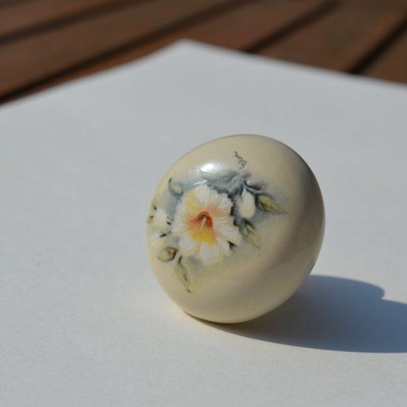 Porcelán-fém fogantyú