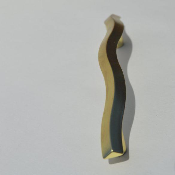 Fém bútorfogantyú, matt arany színű, 96 mm furattáv