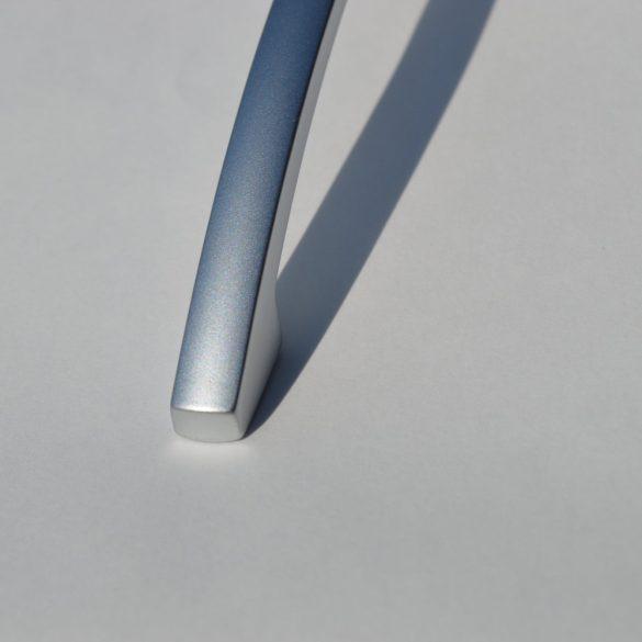 Fém bútorfogantyú, selyemfényű króm színű, 128 mm furattávval