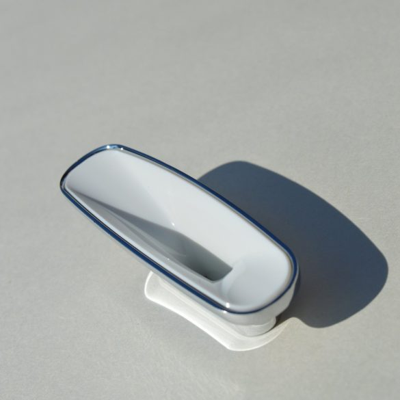 Metal-plastic furniture handle, chrome-white, with 32 mm hole spacing